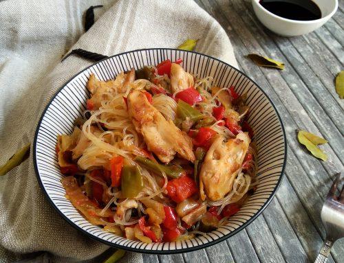 Fideos de arroz con heura