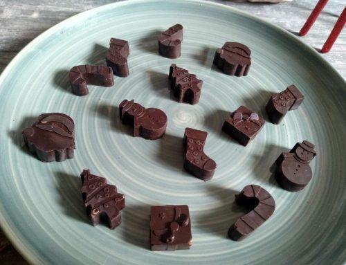 Bombones de chocolate rellenos navideños